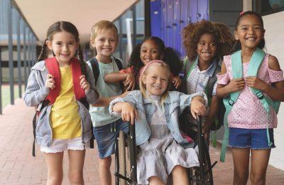Grupo Composto Por Crianças Diversas